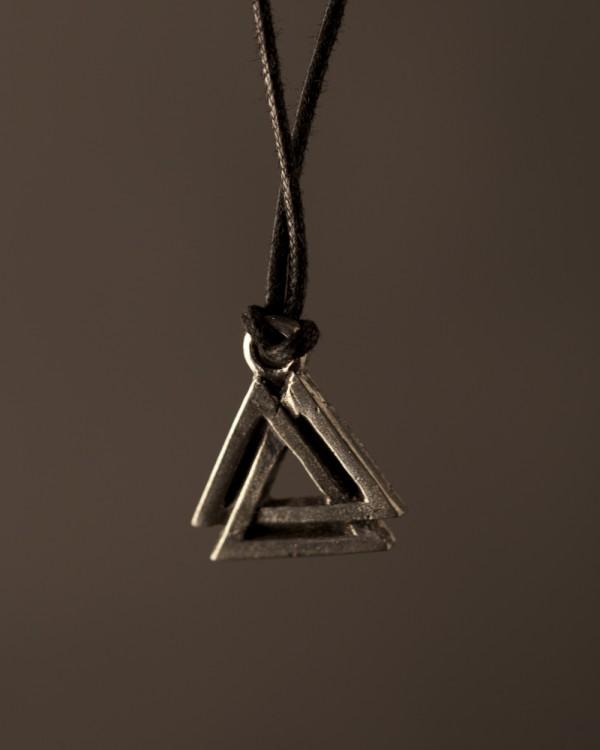 Valknut pendant